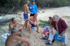 fishing-snorkeling-koh-chang-klong-son-party-on-the-beach-14