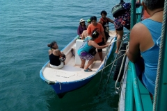 fishing-snorkeling-koh-chang-klong-son-party-on-the-beach-2