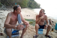 fishing-snorkeling-koh-chang-klong-son-party-on-the-beach-22
