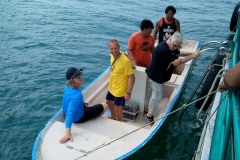 fishing-snorkeling-koh-chang-klong-son-party-on-the-beach-4
