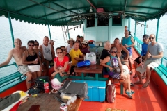 fishing-snorkeling-koh-chang-klong-son-party-on-the-beach